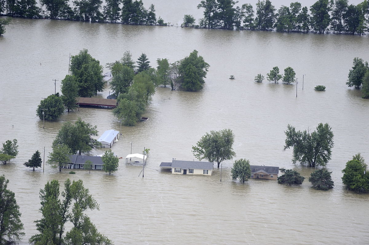 flood051711-344pinhooksm.jpg